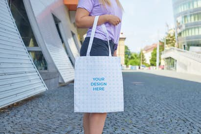Tote bag in the hand of a woman